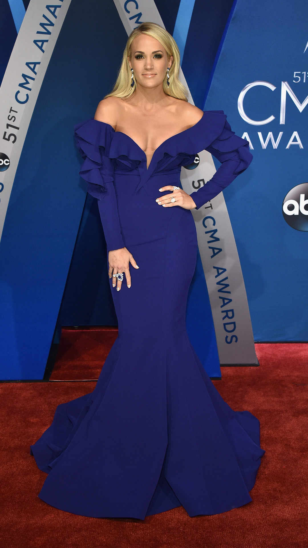 rs 1080x1920 171108153442 1080x1920 carrie underwood CMAs 1117 jaw